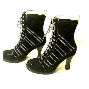 NWT Splash lace up high heel combat boot size 8